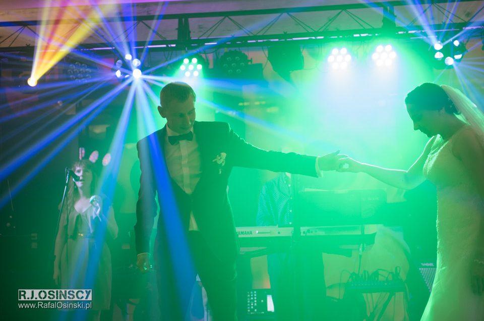 DJ czy zespół na wesele? 5 przykładów.