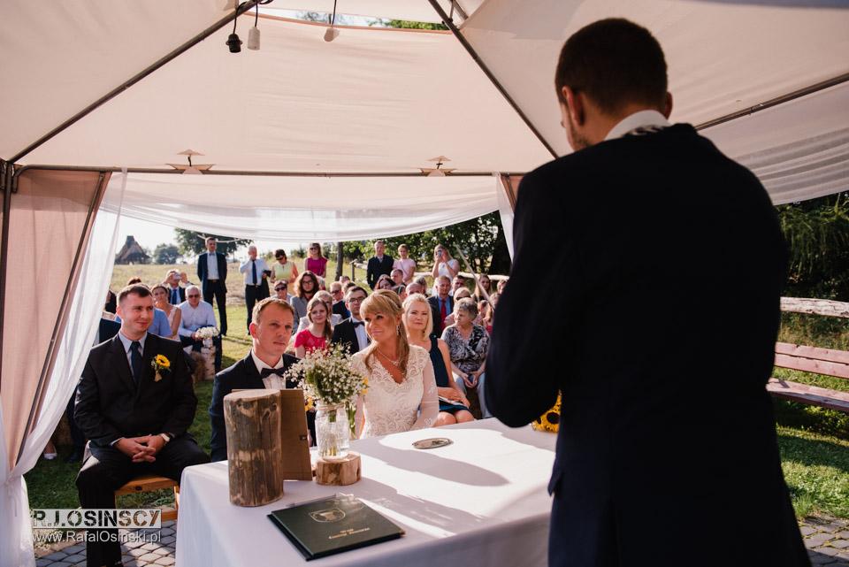 ślub w plenerze Gościniec Szumny