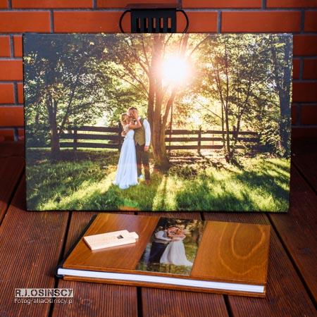 album ślubny, płótno i pendrive w drewnie
